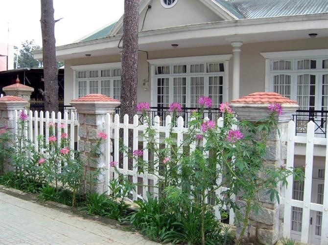 Mê mẩn với 3 mẫu hàng rào đẹp cho nhà cấp 4