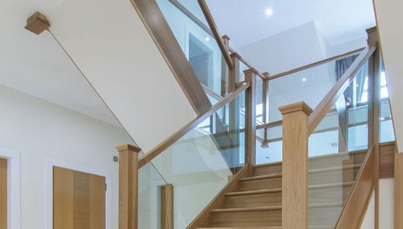 Cách chọn tay vịn cầu thang đẹp cho mọi không gian