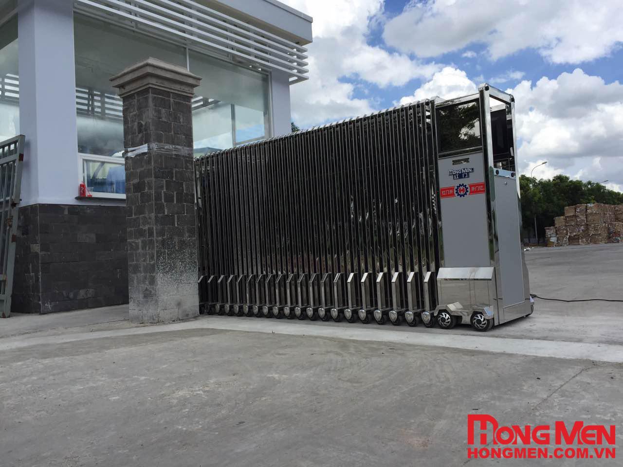 Cổng xếp inox Hồng môn - Nhà máy giấy SG Mỹ Xuân